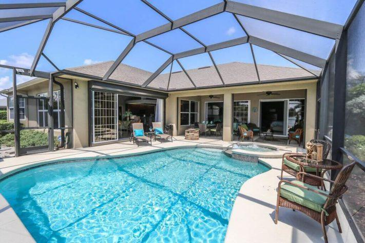 Luxusní dům v Cape Coral s výřivkou a bezénem