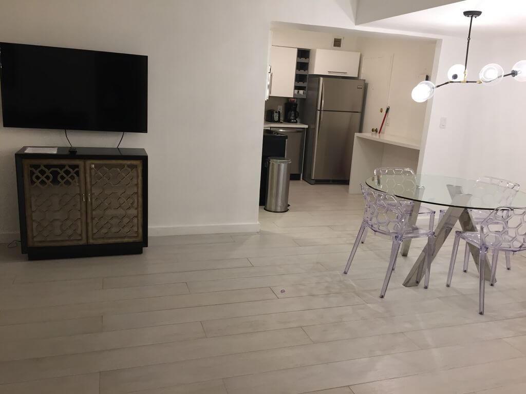 Slunný byt s recepcí přímo na Miami Beach